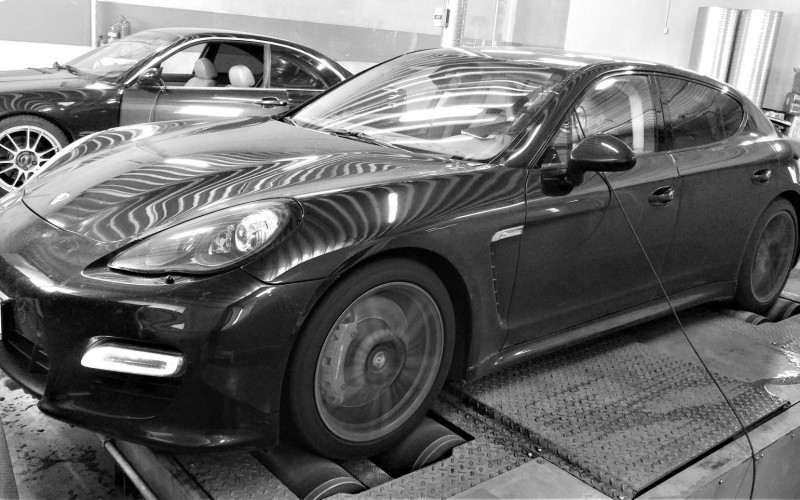 CHIPTUNING PORSCHE PANAMERA 970 TURBO S 550KM STAGE 1