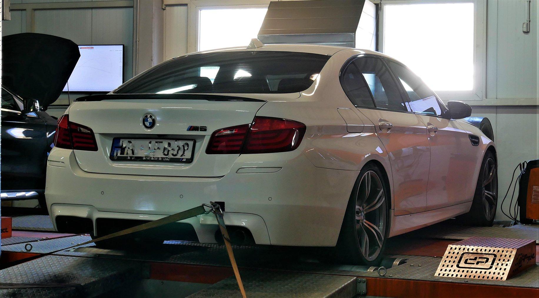 BMW M5 F10 4.4 BI-TURBO 560KM CHIPTUNING STAGE1 VMAX