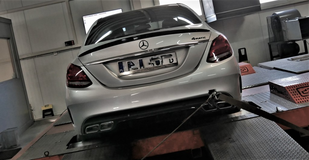 CHIPTUNING MERCEDES C300 2.0T 245KM STAGE 1