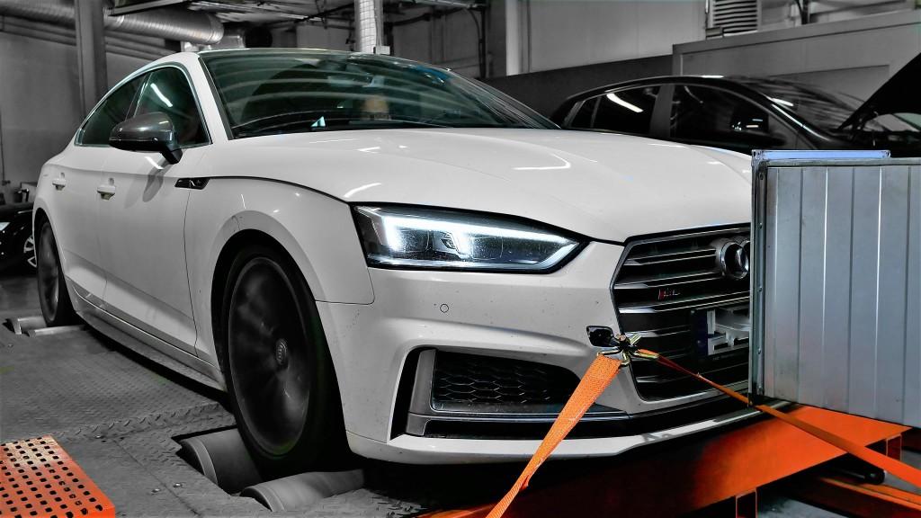 Audi S5 on dyno